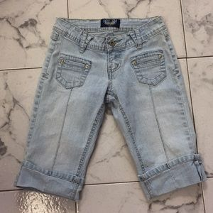 Denim Knee length jeans. Size 0